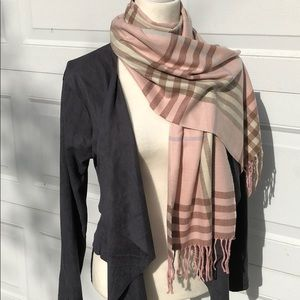 Accessories - 💘NEW💯 Cashmere Pink Plaid Scarf